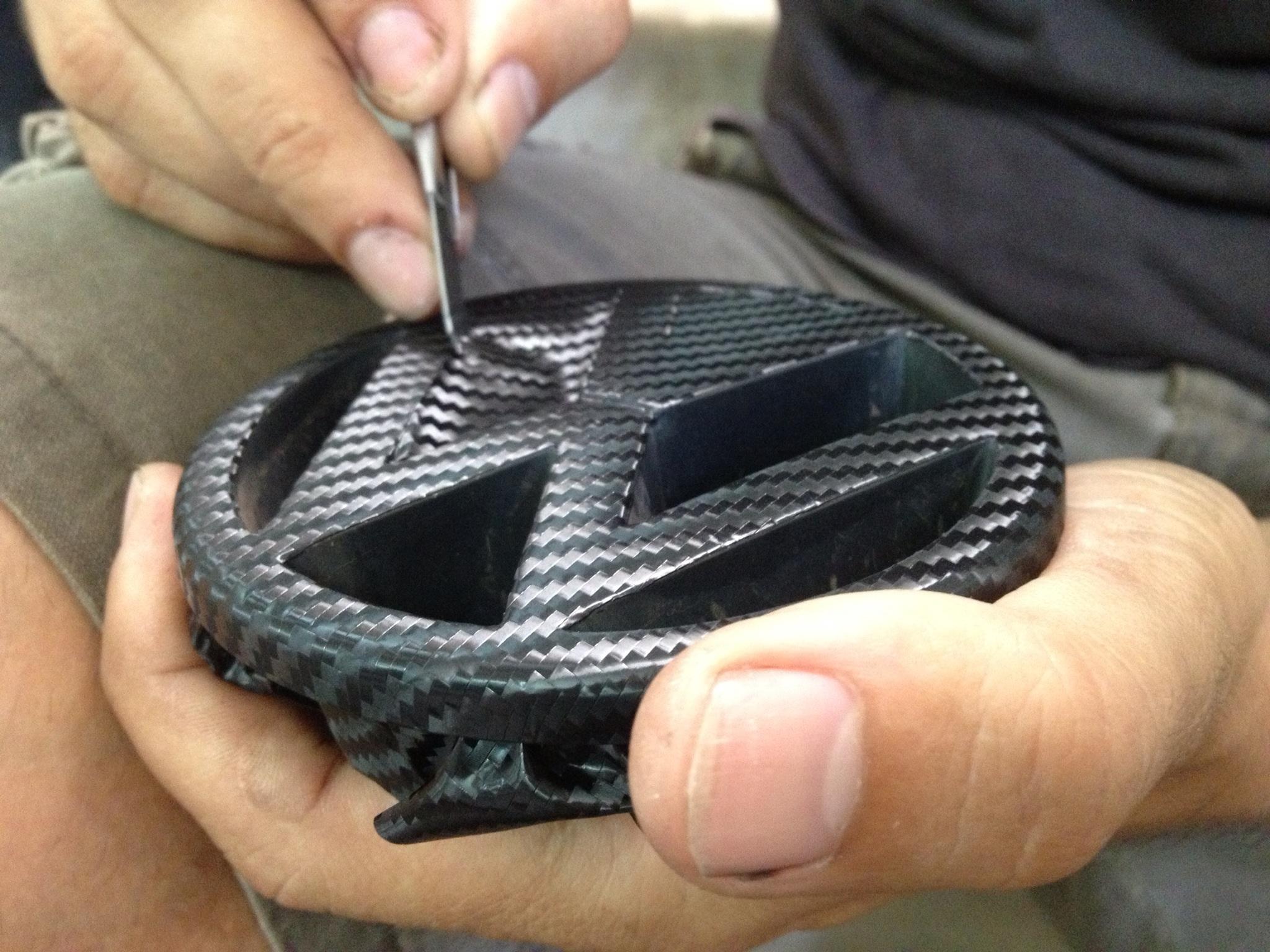 Vinilizar piezas del coche con Fibra de Carbono