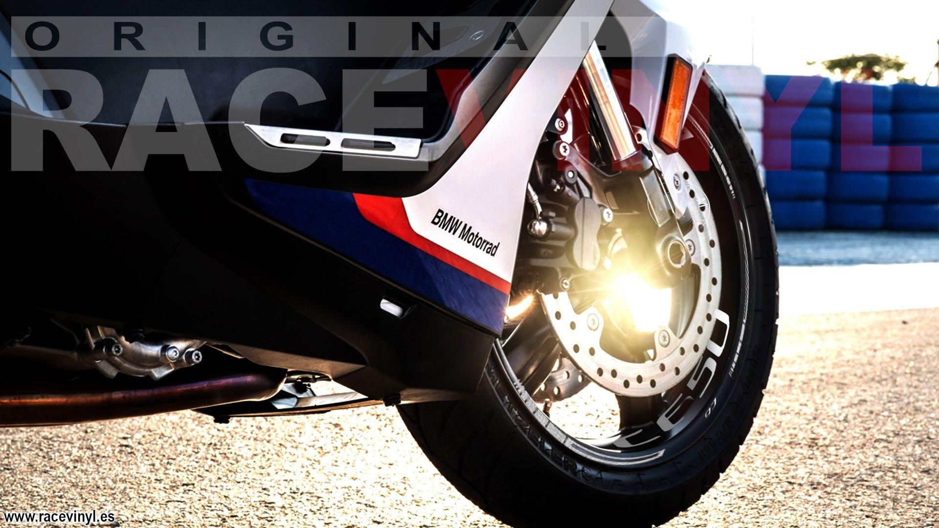 Rueda delantera bmw c650 personalizada con el kit pro de adhesivos para motos