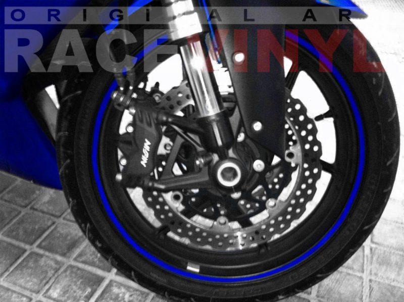 Kawasaki Zx6r con los vinilos adhesivos para las llantas genericos azul plano delantero
